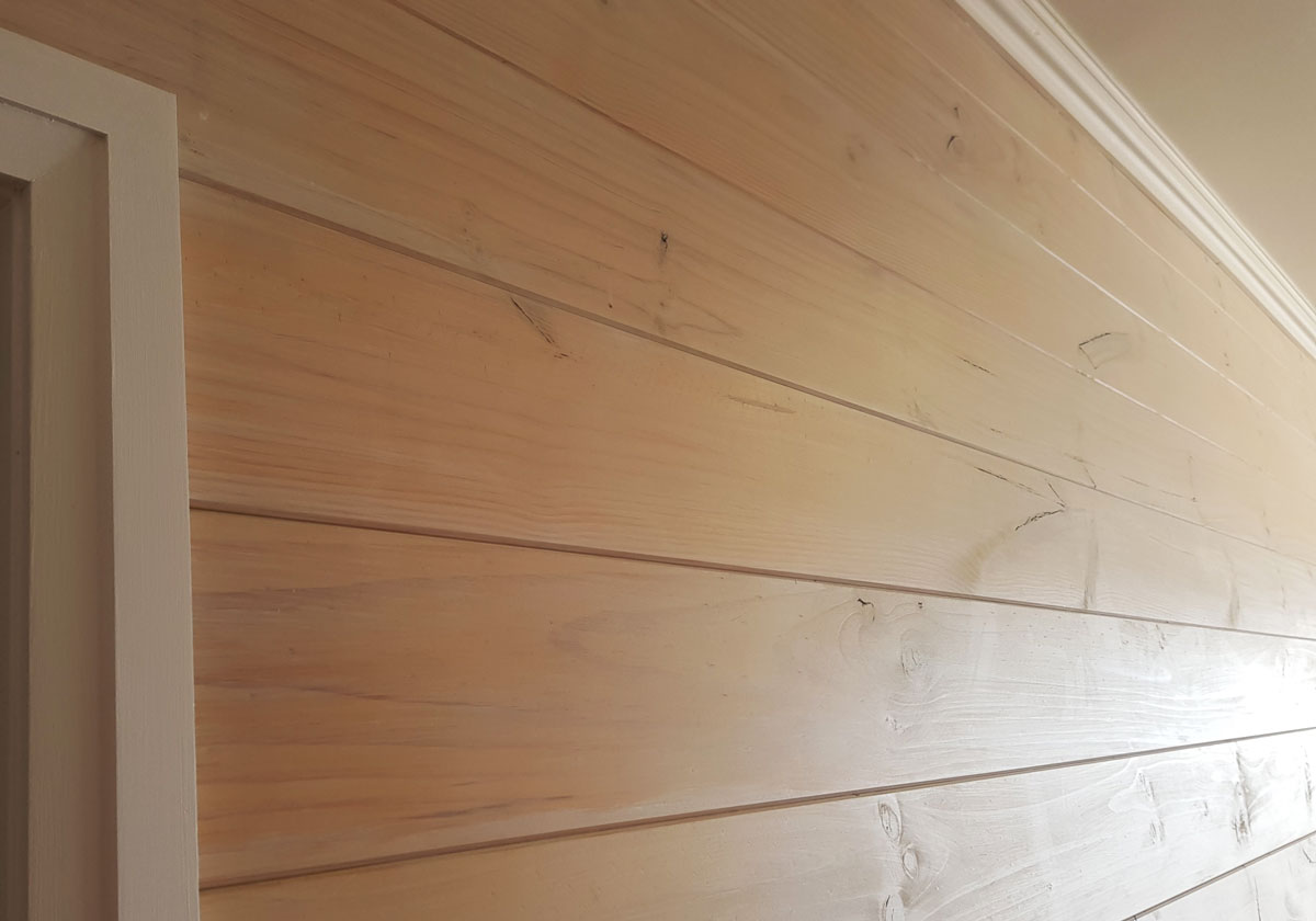 Tongue & Groove Wall Lining TGP20D 172mm x 19mm in Knotty Pine