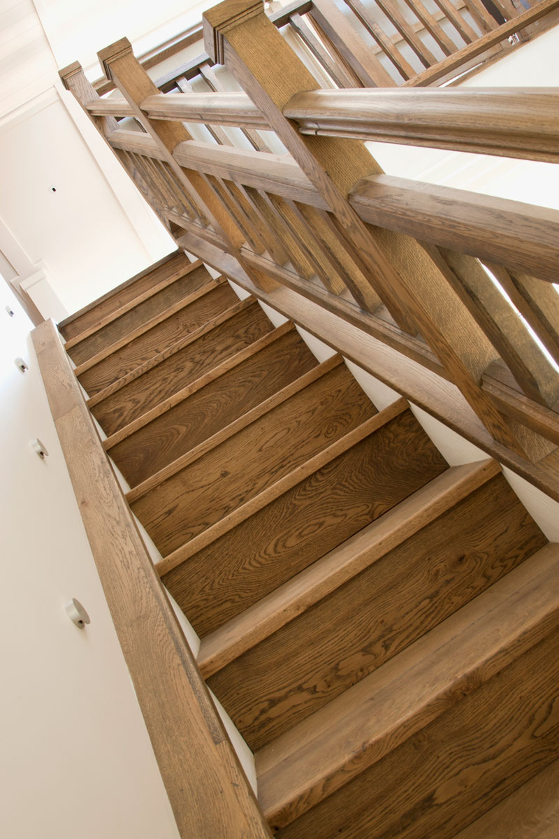 Handrail HR4 in American White Oak